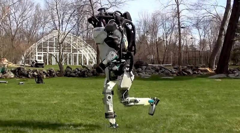 Robô Atlas da Boston Dynamics consegue correr igual a um humano