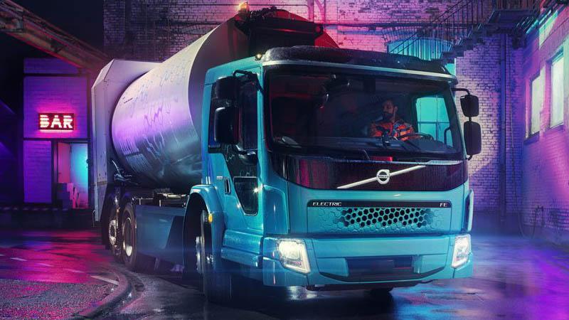 Volvo desenvolve caminhão de lixo elétrico com emissão zero de poluentes