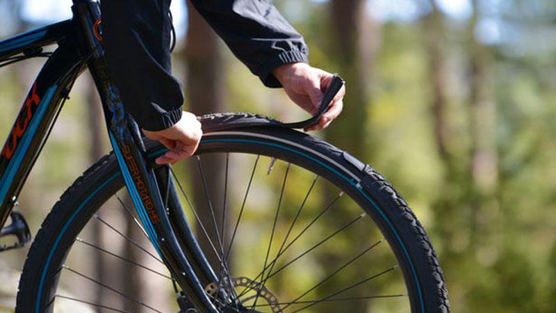 Empresa desenvolve capas de pneus com zíper para bicicletas