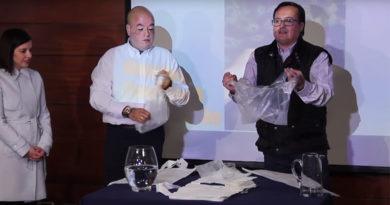 Empresa chilena desenvolve sacola não plástica que se dissolve na água