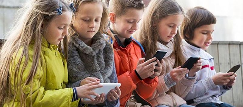 Para evitar distrações na aulas, frança optou por proibir smartphones e tablets nas escolas