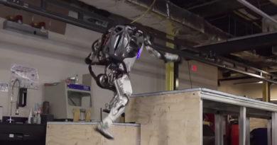 "Robô ""Atlas"" da Boston Dynamics já dominou até o parkour"