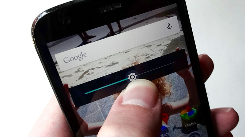 Google pretende usar aprendizado de máquina pra melhorar experiência do brilho adaptável