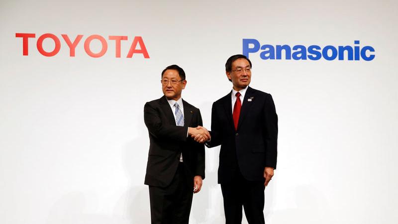 Toyota e Panasonic devem formar parceria comercial para produzir baterias pra carros elétricos