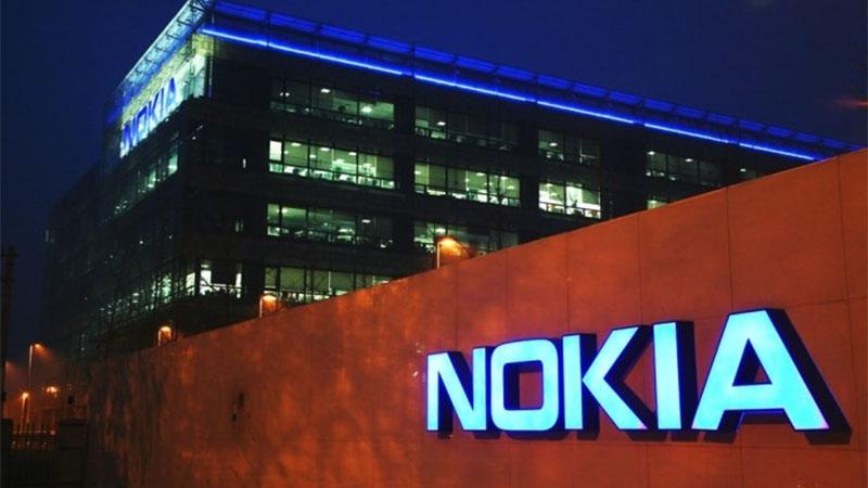 Celular Nokia com Android e teclado númerico aparece em foto vazada na internet