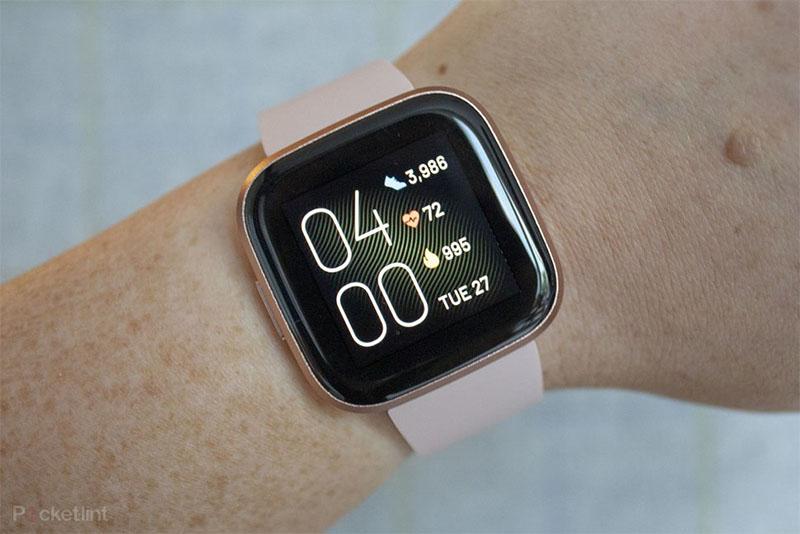 Fitbit lança smartwatch Versa 2 com bateria que dura cinco dias