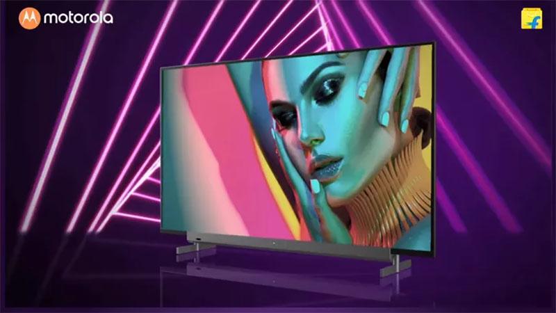 Motorola lança linha de TVs 4K com sistema Android e Soundbar embutido