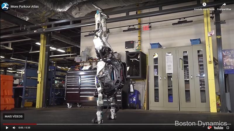 Robô da Boston Dynamics já consegue até fazer piruetas, paradas de mãos, giros e muito mais