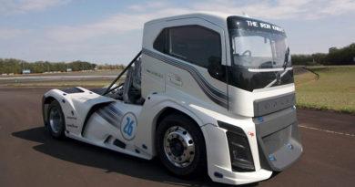 Conheça o Volvo Iron Knight – Caminhão mais rápido do mundo