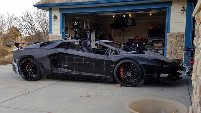 Pai e filho usam impressora 3D para fazer réplica do Lamborghini Aventador