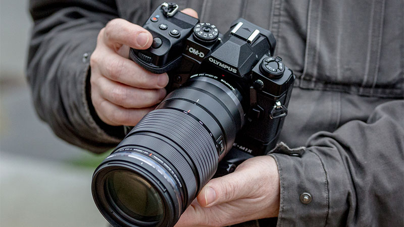CEO da Olympus cogita colocar divisão de câmeras da empresa à venda