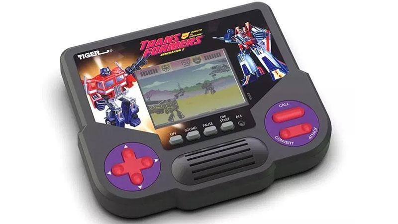 Hasbro vai trazer de volta quatro consoles clássicos portáteis dos anos 90
