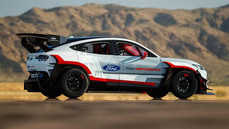 Ford lança Mustang Mach-E com 7 motores elétricos que entregam até 1.400 cv