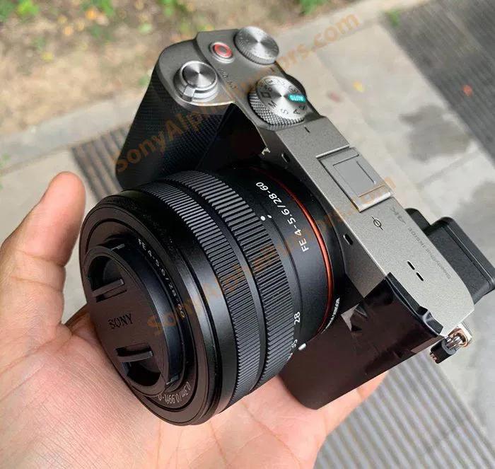Câmera sem espelho full frame Sony A7C está a caminho