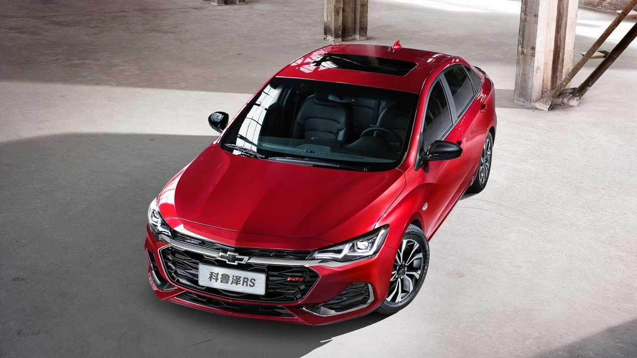 Novo Monza deve substituir Chevrolet Cruze que sai de linha em breve
