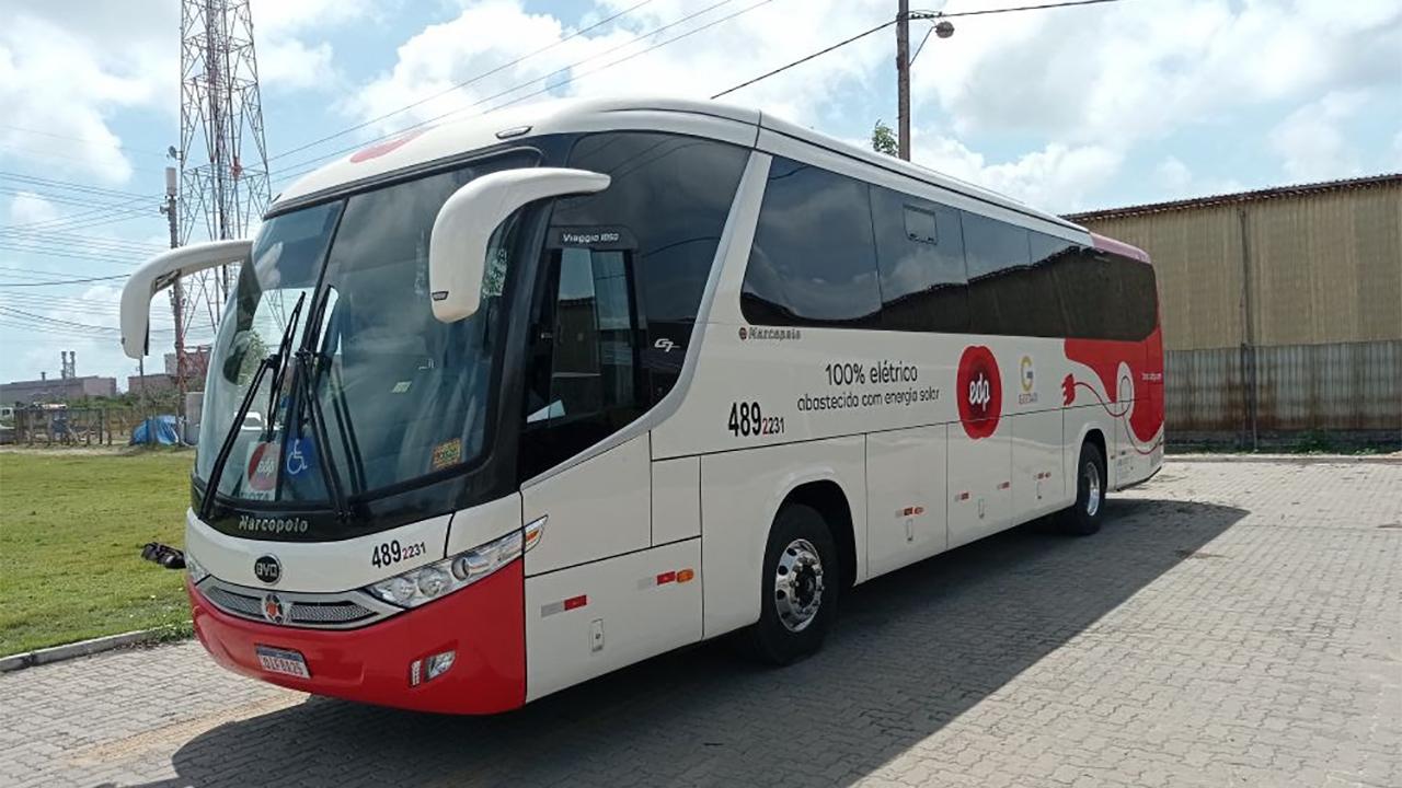 Ceará acaba de receber primeiro ônibus 100% elétrico abastecido por energia solar