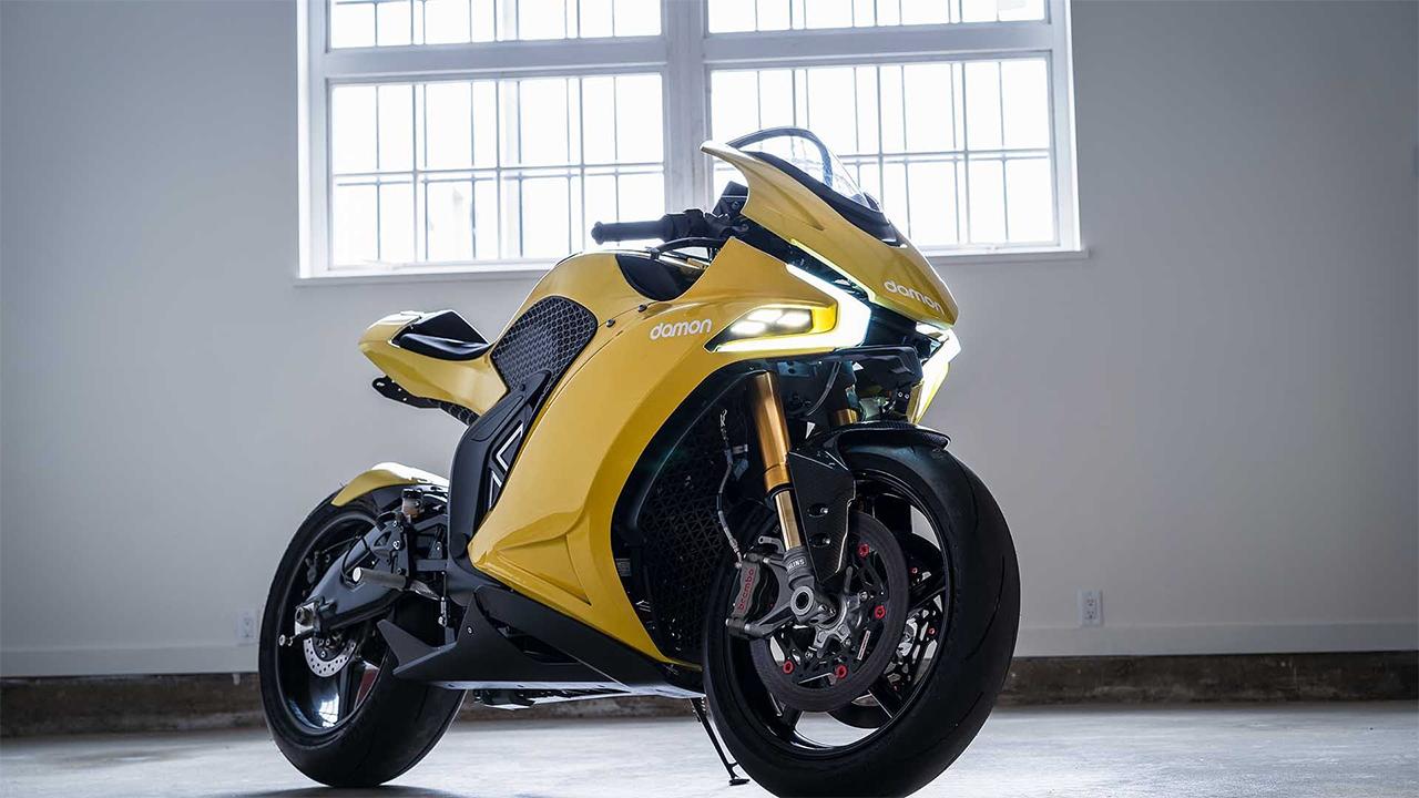 Moto elétrica Damon Hypersport chega até 320 Kmh e possui autonomia de 480 quilômetros por carga