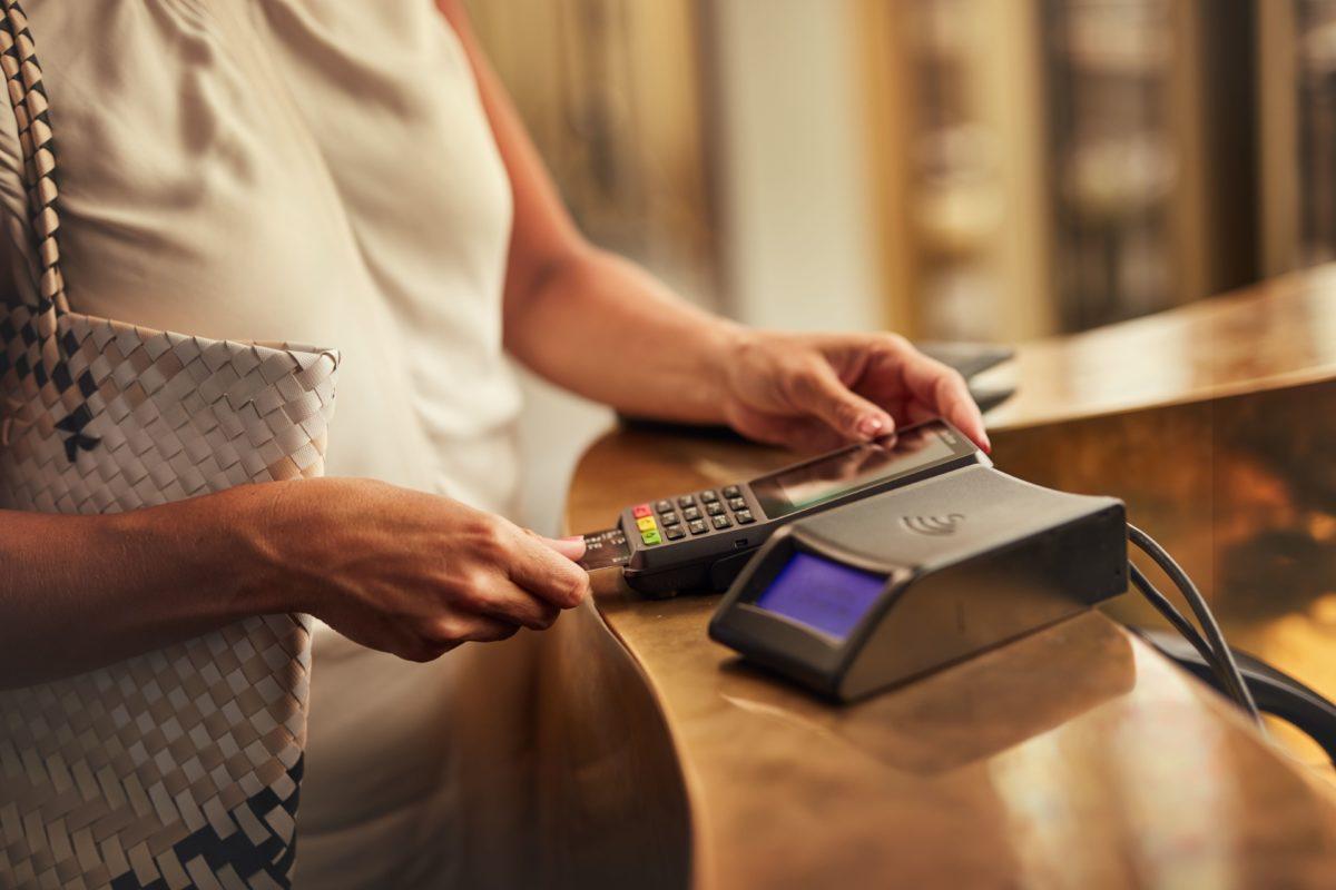 I ricavi netti di ADYEN, la piattaforma nella gestione di pagamenti scelta da aziende tra le più note al mondo come Spotify, Uber e eBay