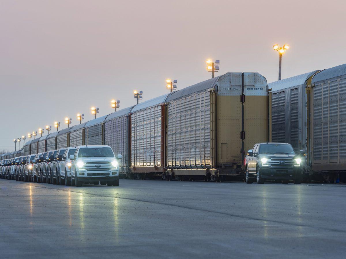 Il pick-up Ford elettrico che sposta un treno merci intero sarà presto in produzione