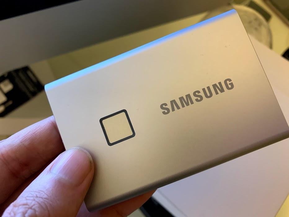 Samsung T7 Touch, un SSD per tutte le tasche. Letteralmente!