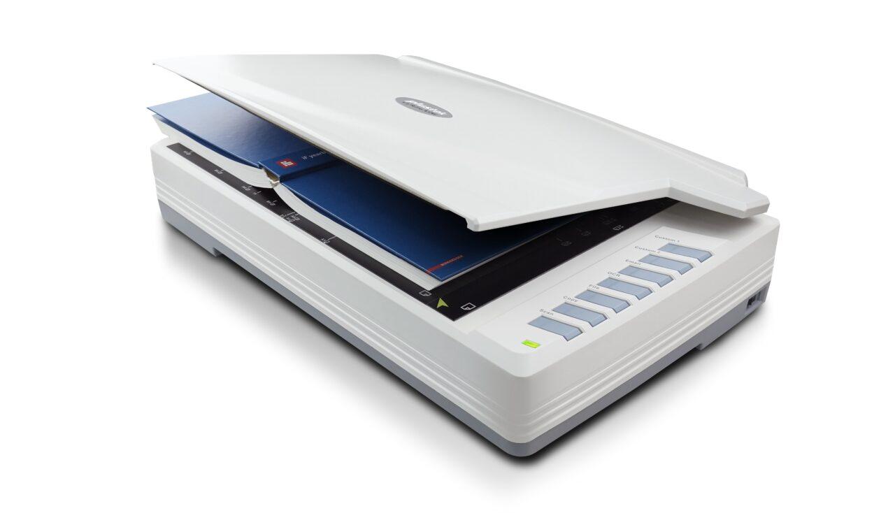 Plustek OpticPro A320E, lo scanner A3 perfetto anche per digitalizzare illustrazioni e superfici con rilievi