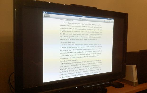iPad reflejando la Biblia a Apple TV