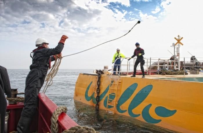 Wello calcula que cada Penguin produce entre 160 kW y 1 MW de potencia, electricidad suficiente para abastecer a unos 400 hogares. Los Penguin pueden ser instalados formando cadenas en zonas de mar abierto, y se ha demostrado que no interfieren con el tráfico marítimo o la vida marina./Foto: Wello