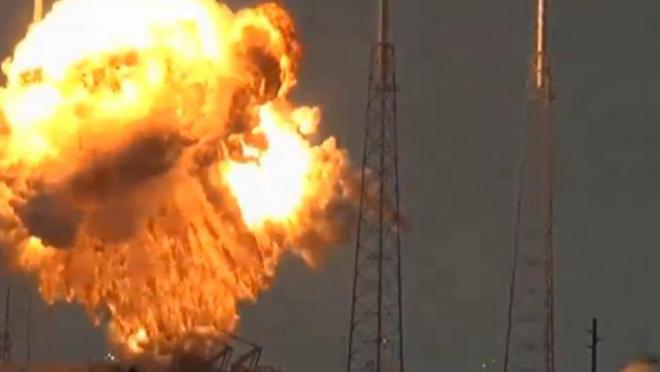 Explisión de un cohete Falcon 9 de SpaceX en Cabo Cañaveral, Florida. HANDOUT |REUTERS