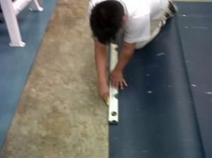 Instalación piso del gimnasio P&G por Tecnosports de Vnezuela