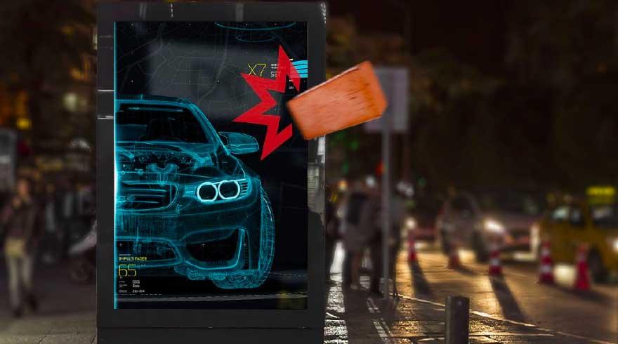 Arredo urbano digitale schermi auto portanti per esterni con cristallo protettivo frontale anti vandalico IK10