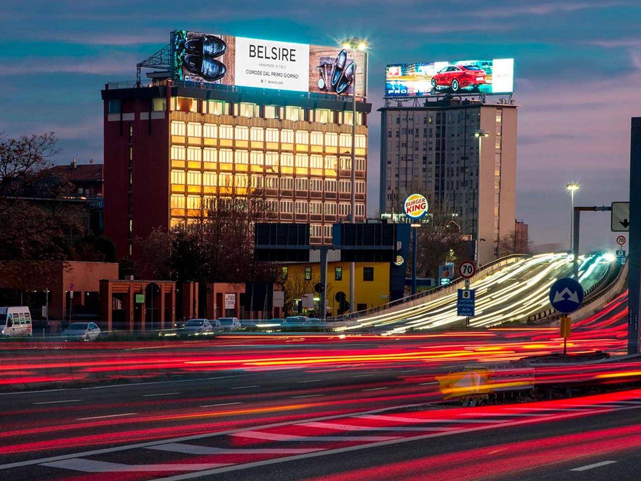 Maxi-billboard-maxischermo-led-su-tetto-giant-ledwall-1280x960-4