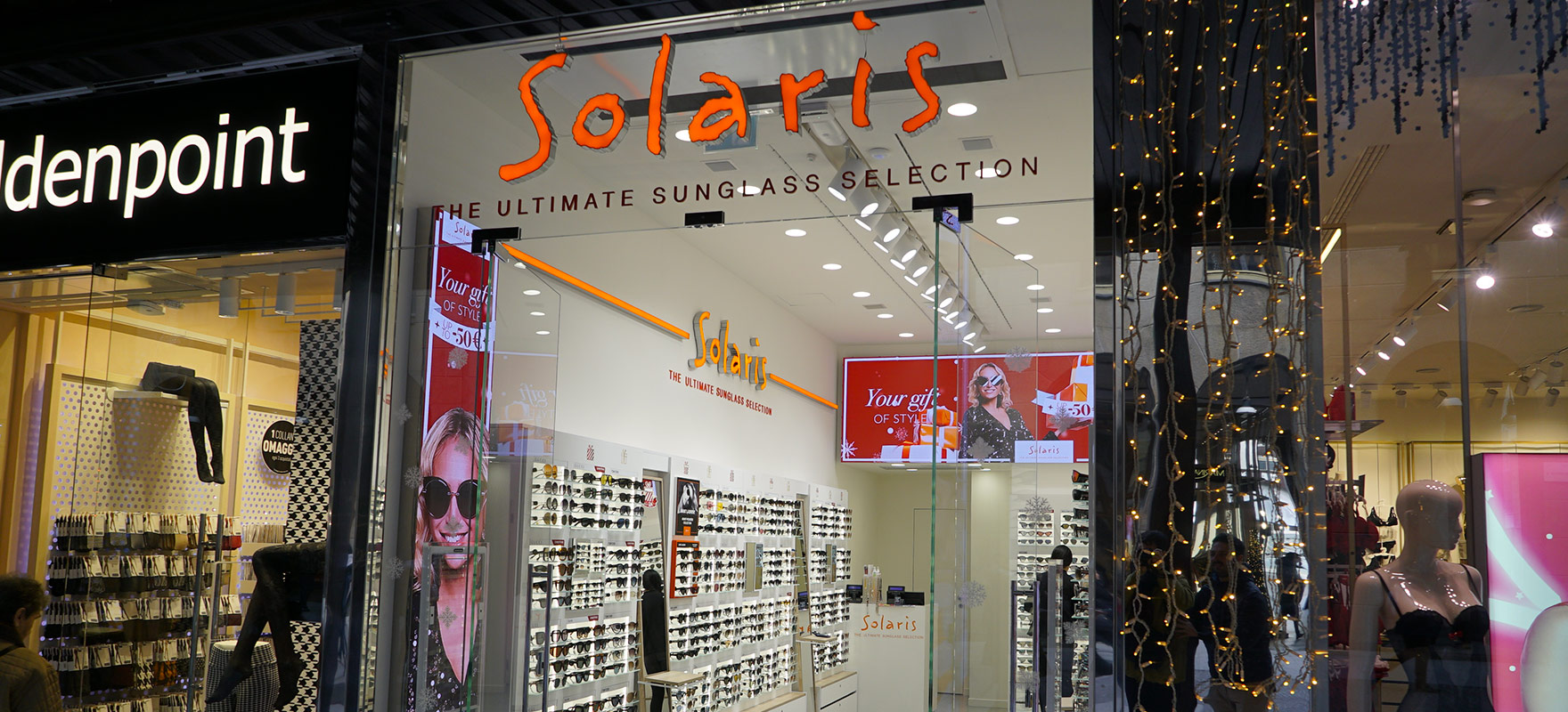 Ledwall indoor Solaris Schermo led da interni fondo store retrocassa banner digitali lato vetrina