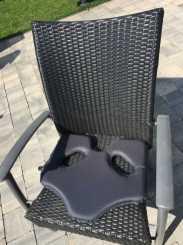 SoftAirSeat Hybrid auf dem Gartenstuhl - Sitzkissen für den Gartenstuhl Anwendung Einsatz Nutzung