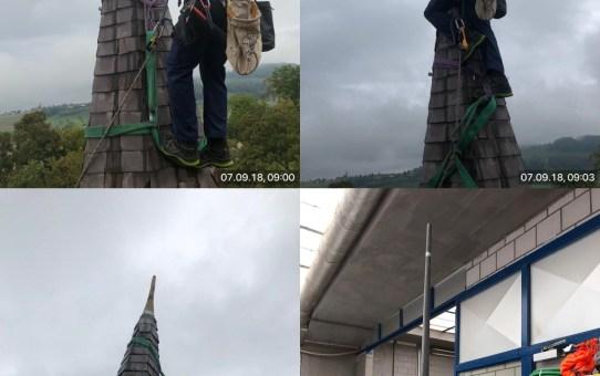 Schloss Worb, Erneuerung einer Turmspitze