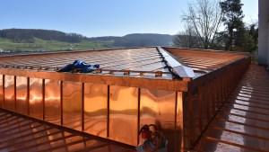 Blechdach mit Fassadenbekleidung