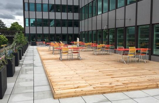 Terrasse mit Holzrost
