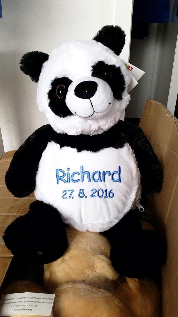 Plüschtier Panda mit Namen und Geburtsdatum