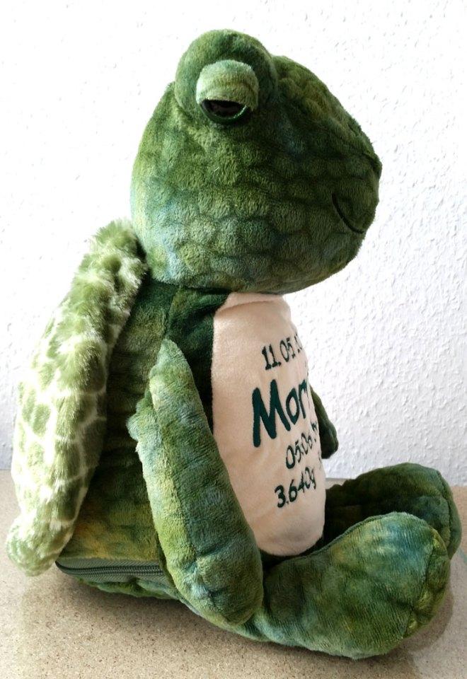 Plüschtier Schildkröte mit Namen, Geburtsdatum, Uhrzeit, Gewicht und Größe - Seitenansicht