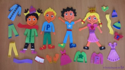 Kinder und Kleidung aus Moosgummi