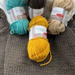 Yarn Fiddlesticks Superb 8