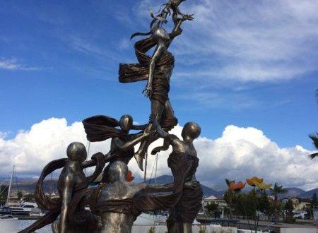 A nők elleni erőszak jelképe Fethiyében