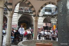 Hasan Paşa belülről, ezúttal tavasszal