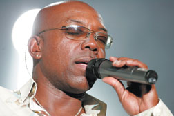 Tower of Power lead vocalist Larry Braggs sings at the Chumash Casino Resortin January of 2006. The group returns for a performance Thursday night. Dwight McCann photo