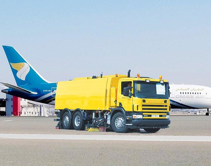 airport-runway-sweeper-V95t-AERO