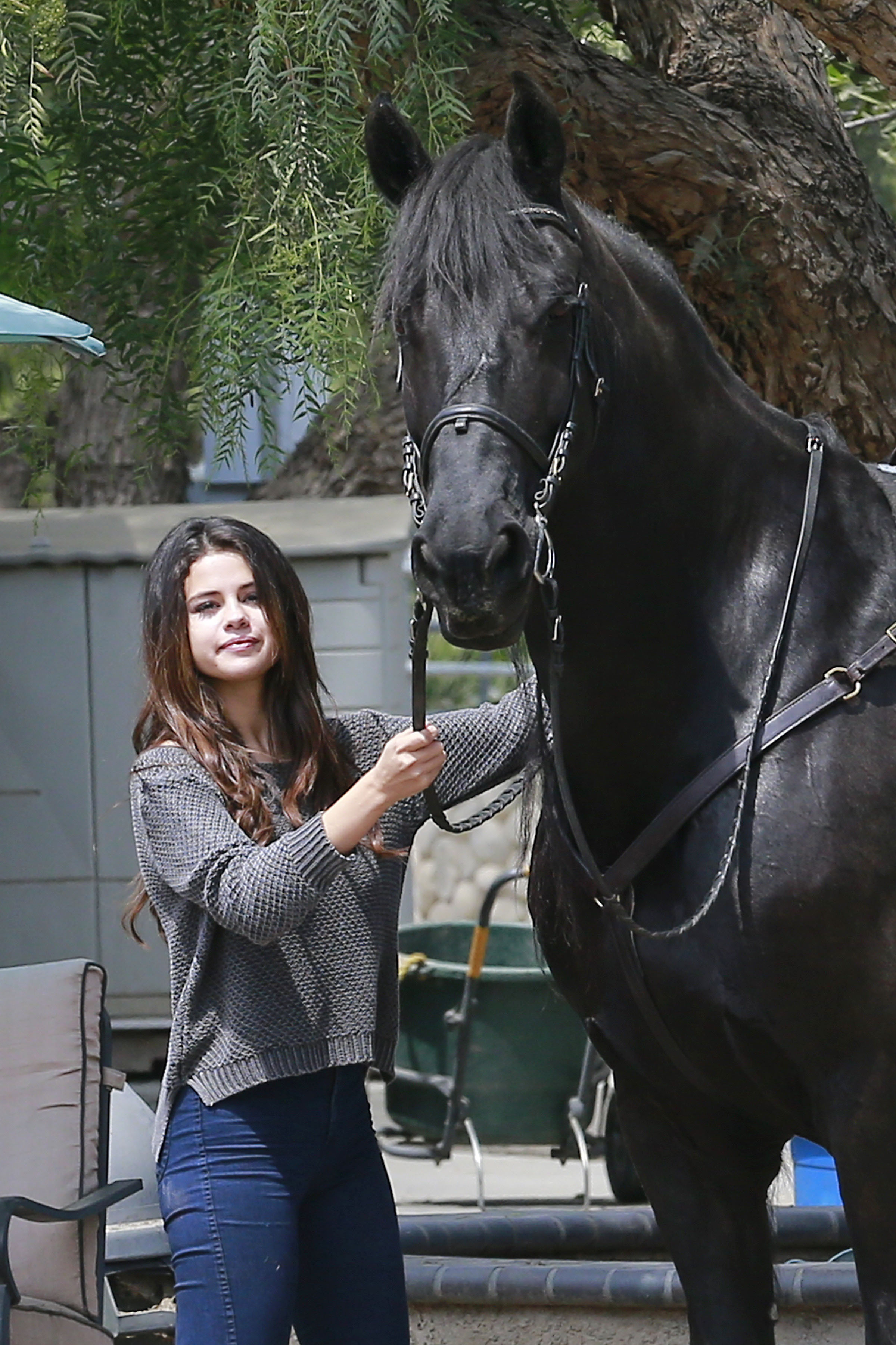 Giddy Up Selena Gomez Spends Her Friday On Horseback