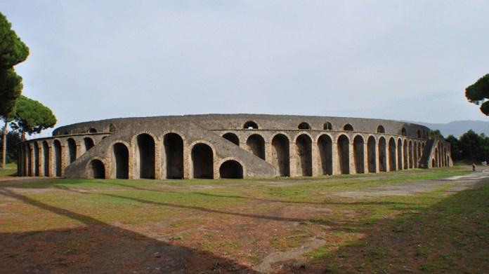 pompeii coliseum-05