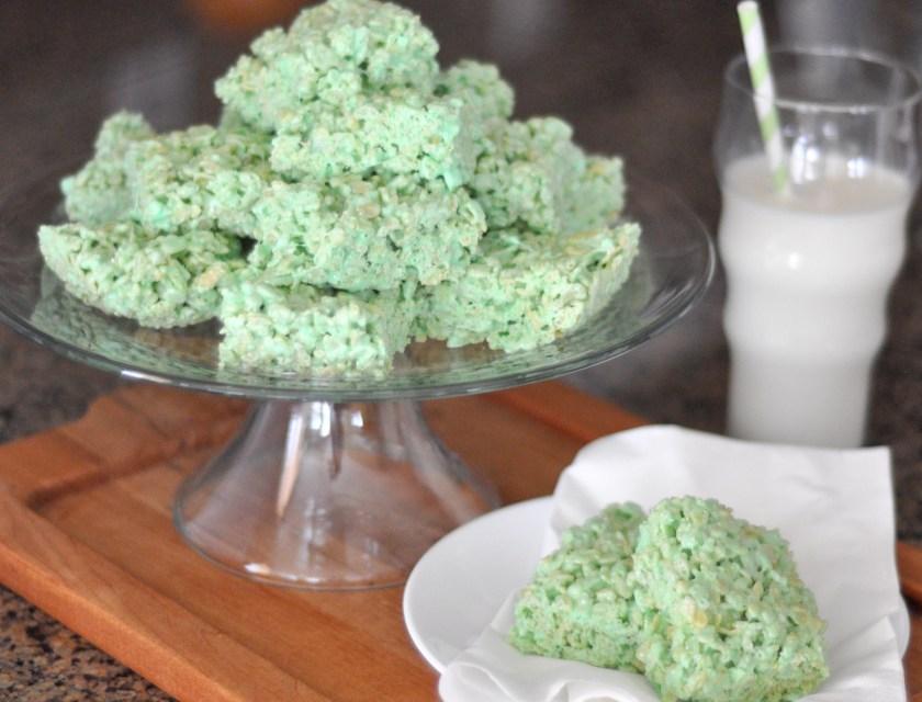 Thick & Chewy Shamrock Treats from www.TeepeeGirl.com