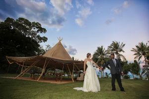 Earlando wedding tipi