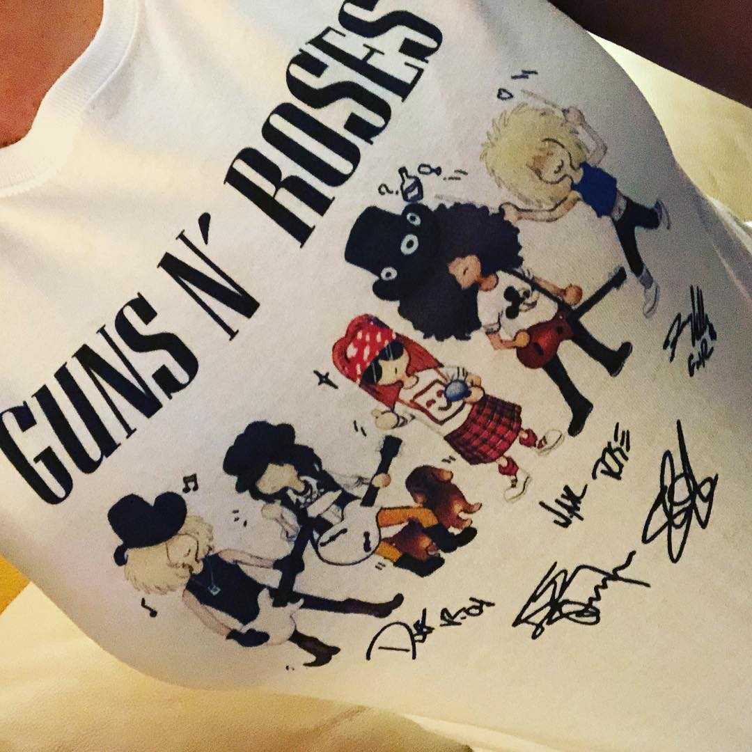 Cartoonish Gun N' Rose Signatures Shirts photo review