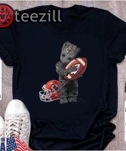 Baby Groot hug Kansas City Chiefs Tee Shirt